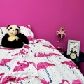 Matt-emulsion-paint-hot-pink-belladonna-wall-with-bed-vintro.jpg