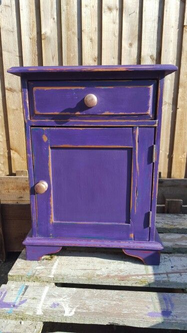 Kolor purpurowy Royal Purple Vintro - szafka pinterest se dianamyoung